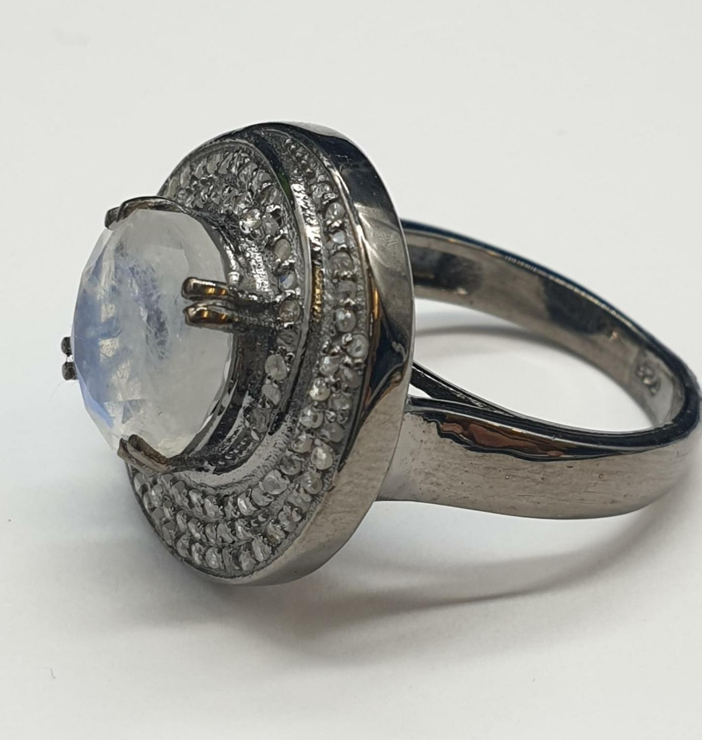 4 Ct Moonstone Ring with 0.75 Ct Rose cut diamonds. Blackened silver. - Image 3 of 8