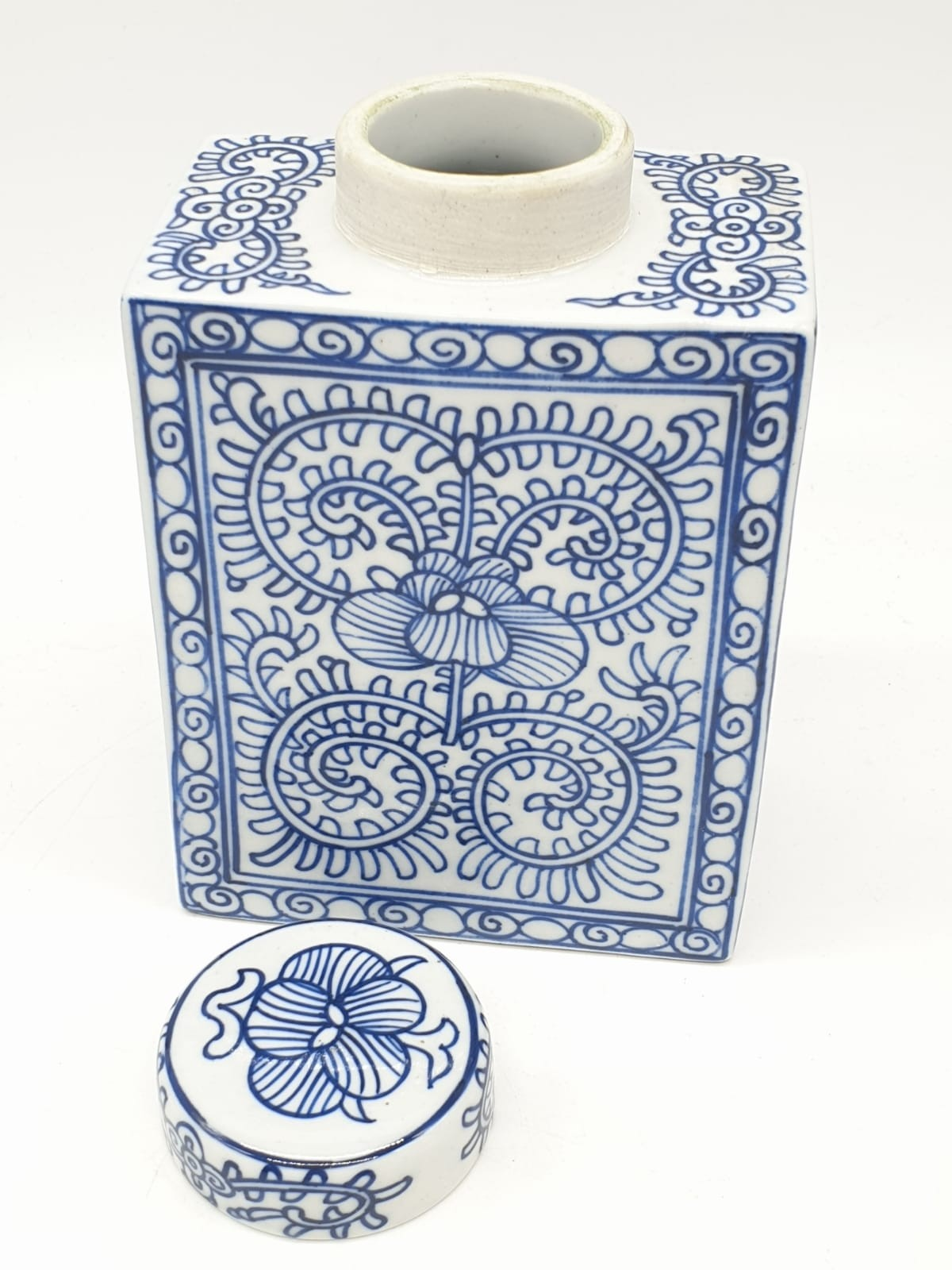 A Japanese, white and blue hand painted, rectangular, porcelain, storage jar, with lid. - Image 3 of 12