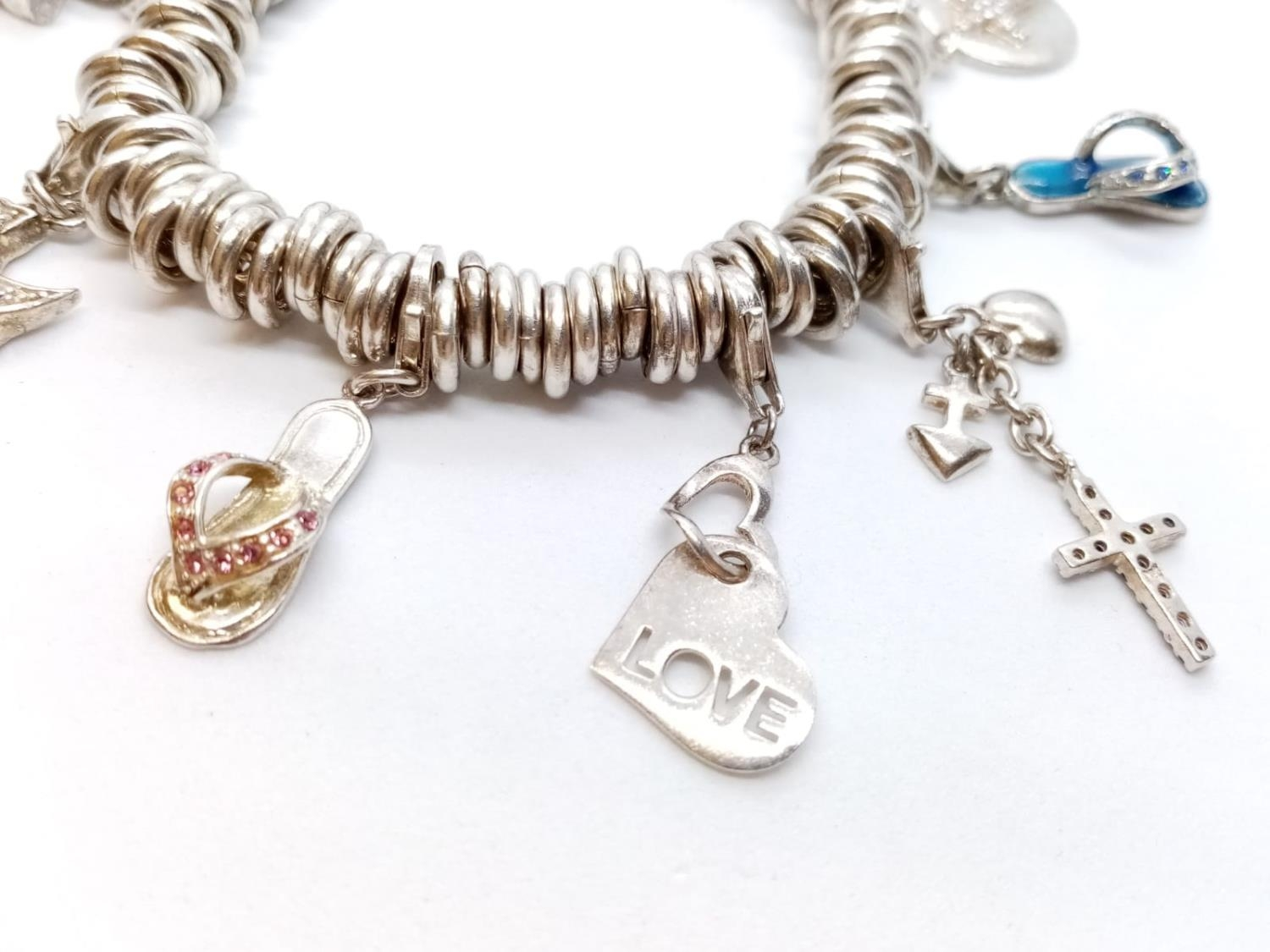 Heavy SILVER BRACELET, London Charm Co. 75.2g 10 charms. - Image 2 of 9