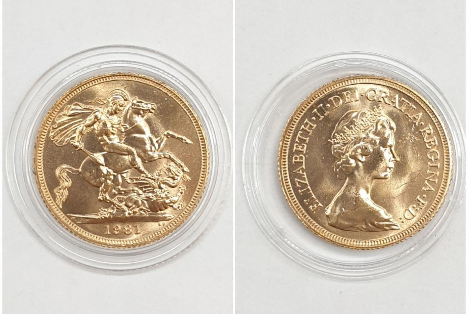 1981 Gold Sovereign in capsule