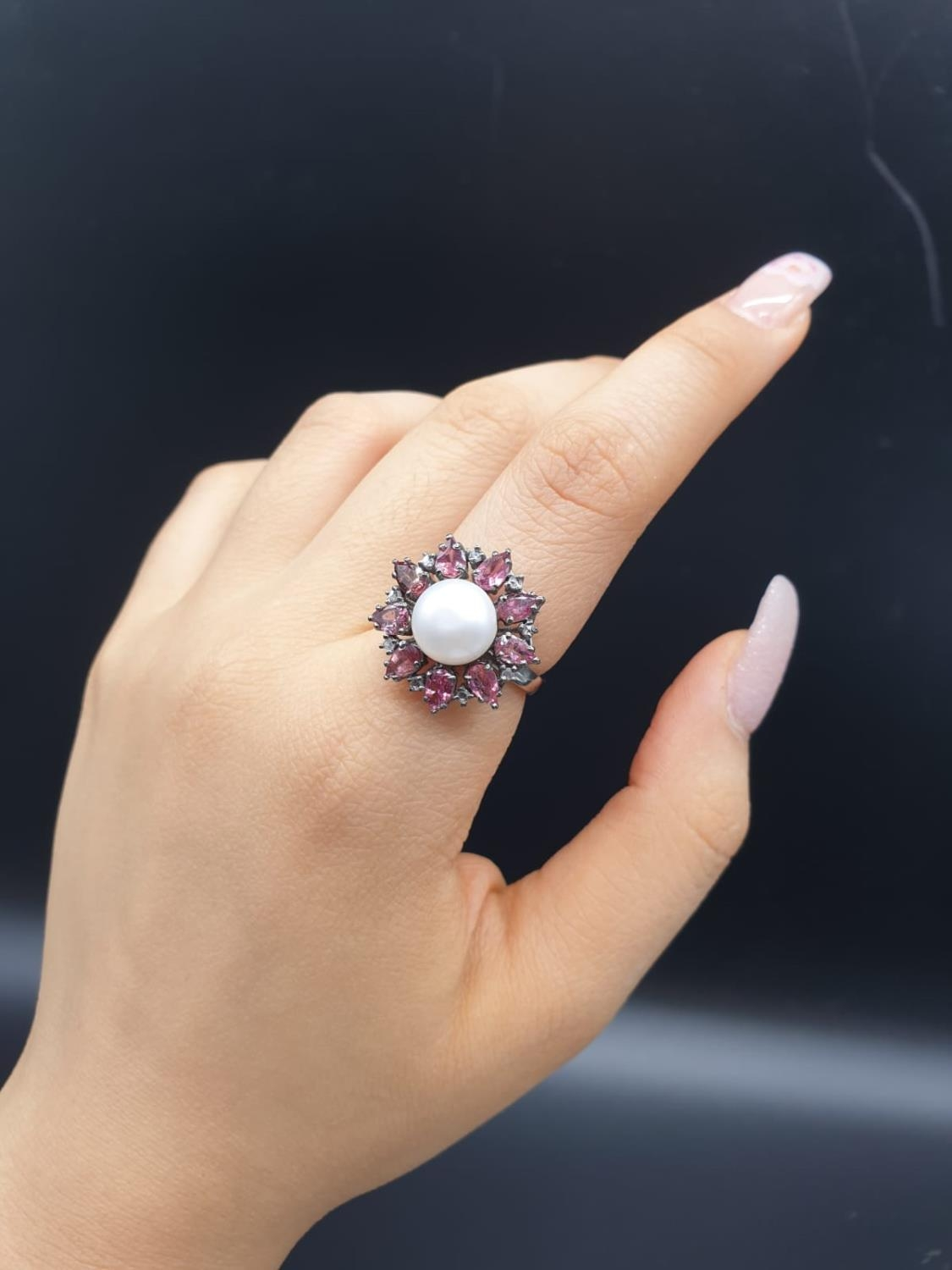 4.40 Cts Pearl & 2.35 Cts Pink Tourmalines set inside a 925 Blackened silver ring. With 0.20 Cts - Image 6 of 7