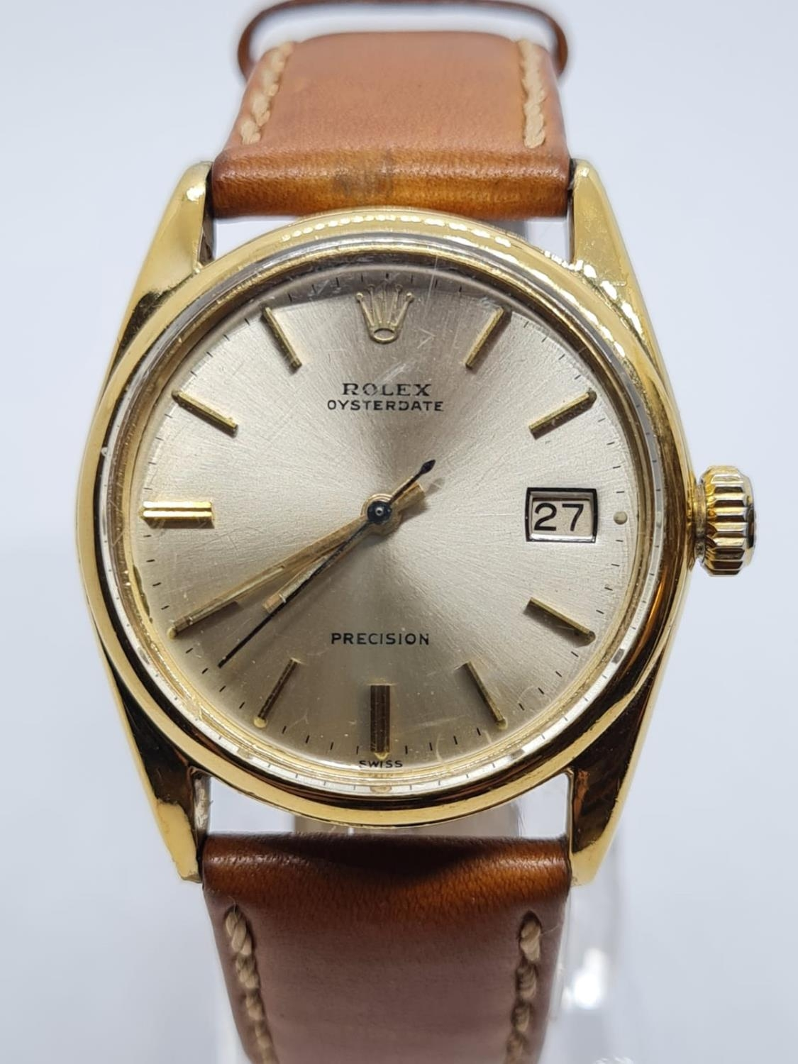 Vintage Rolex Oysterdate Precision Gents WATCH. Round face and genuine brown leather strap. 32mm