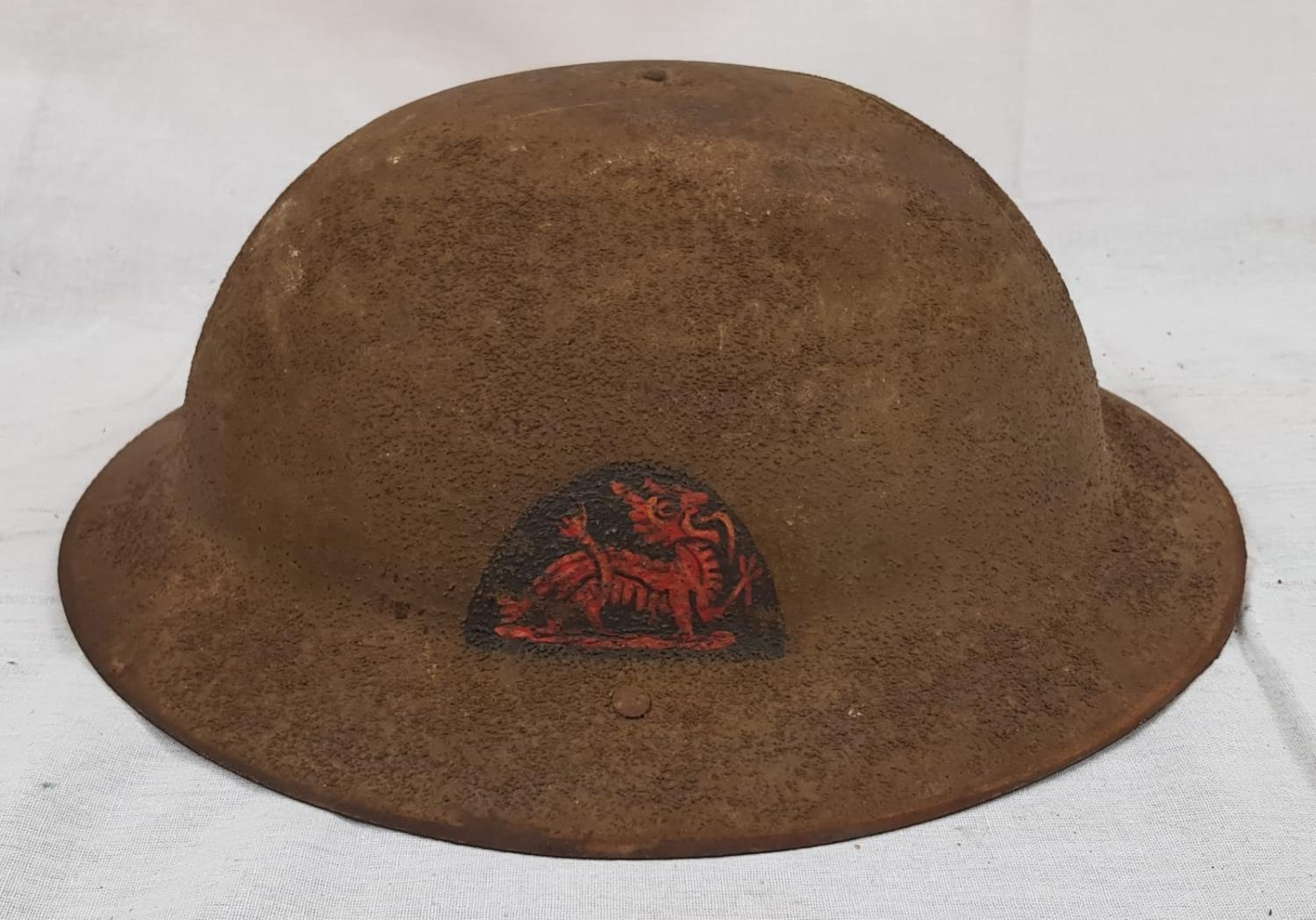 WW1 British Brodie Helmet with insignia to the Royal Berkshire Regiment. Makers Mark for Hadfield - Image 2 of 4