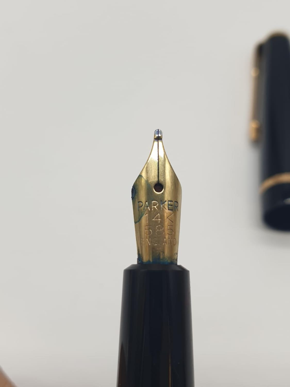 Vintage Parker FOUNTAIN PEN with 14ct Gold Nib. - Image 5 of 7