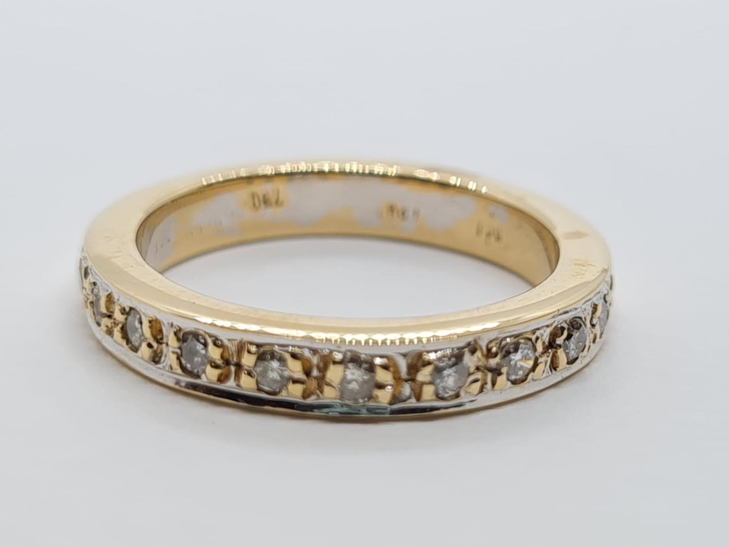 18ct Gold and Diamond Eternity RING. 5.2g Size K/L