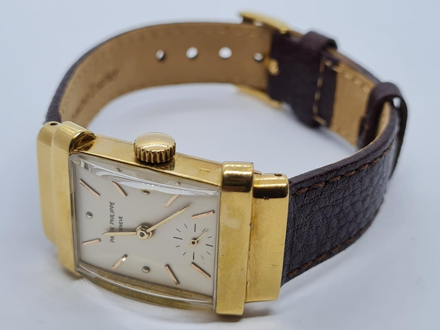 Patek Philippe Geneve WATCH tank style with rectangular face Case: 20x40mm. Brown Leather Strap. - Image 4 of 5
