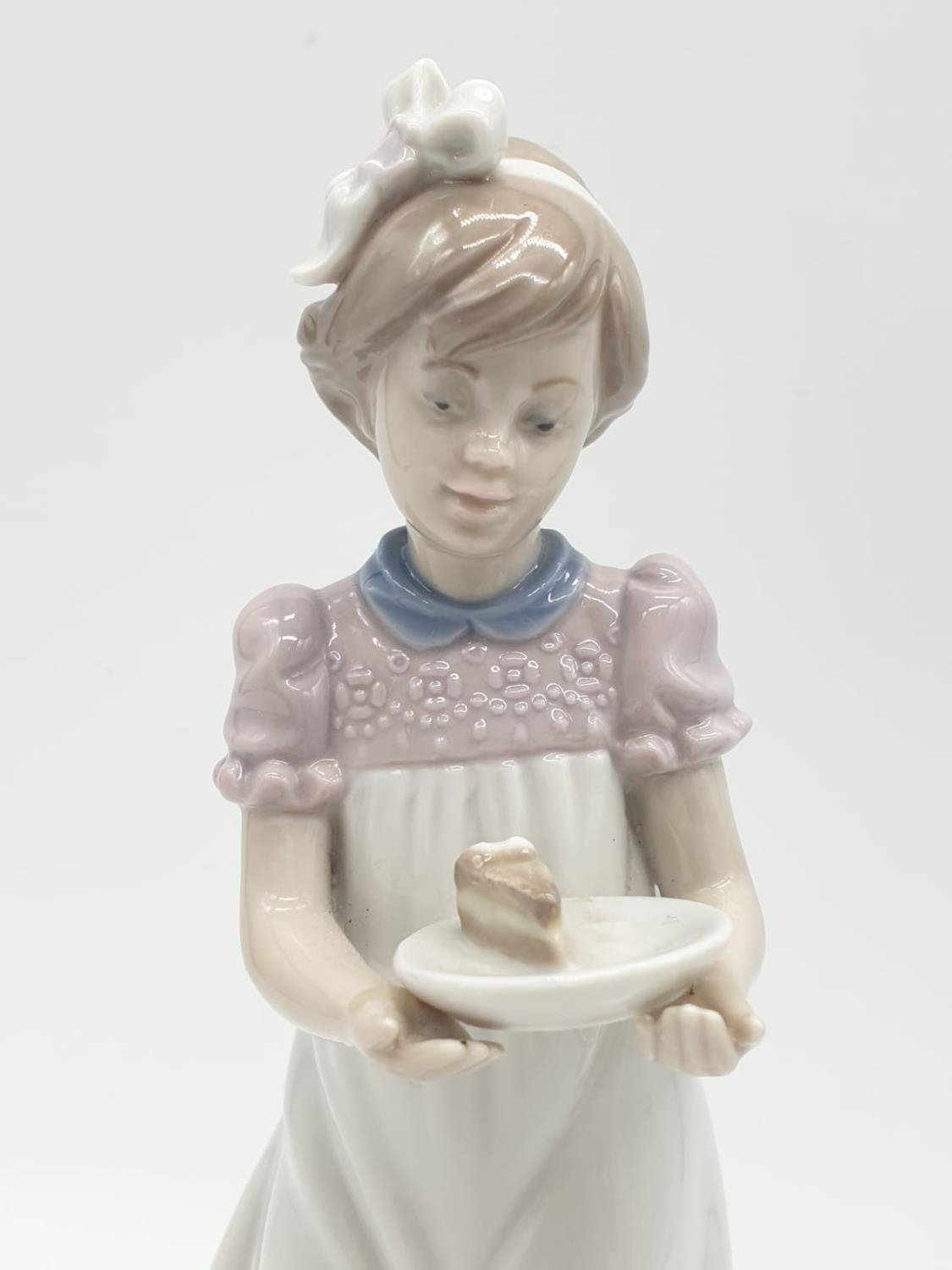 Lladro girl holding a cake on a plate. 20cm tall. - Image 2 of 6