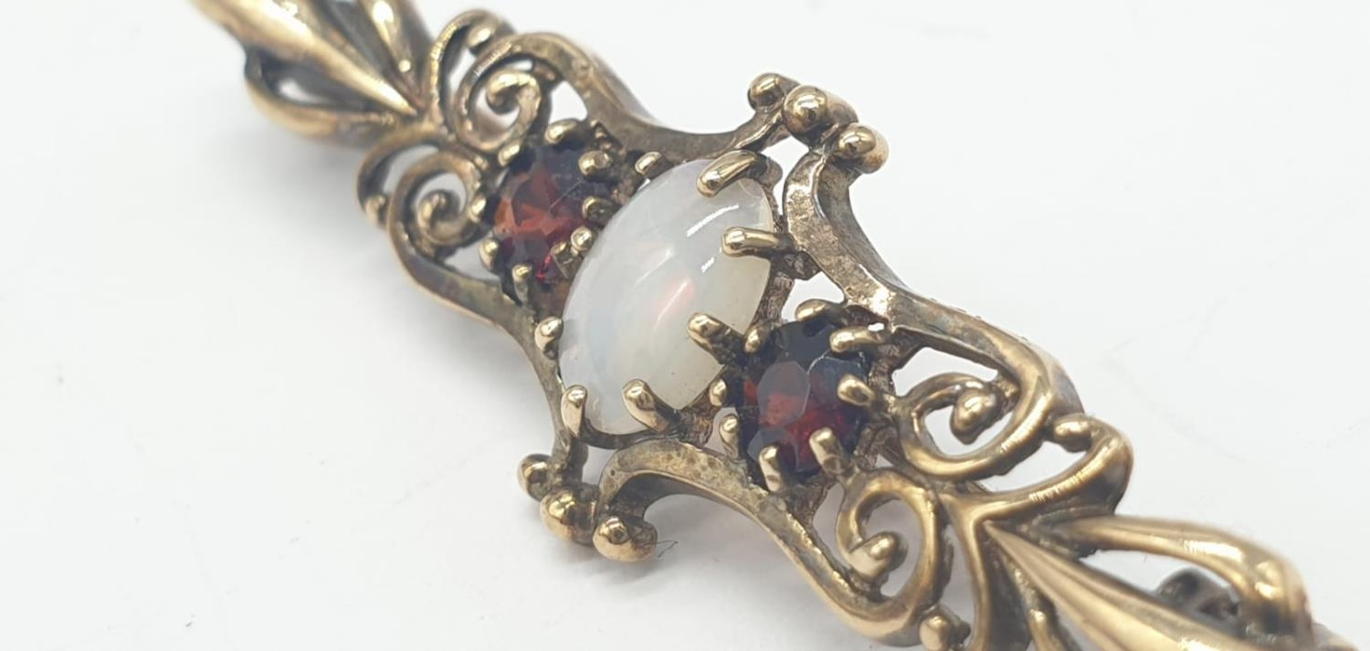9ct gold opal and garnet bar brooch, weight 2.5g and 4cm long approx - Image 2 of 5