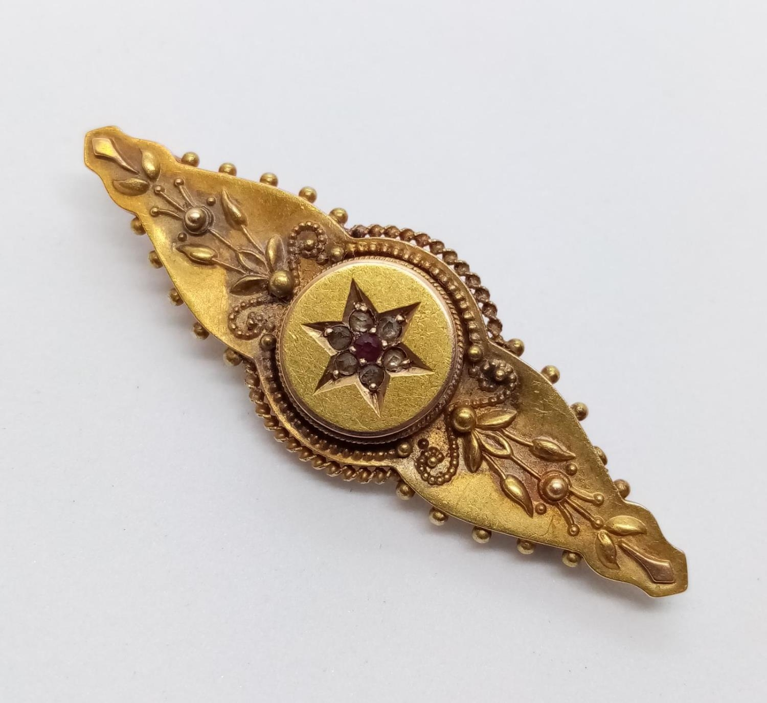 Victorian 15ct BAR BROOCH with Diamonds and Ruby. 3.2g 4 cm.