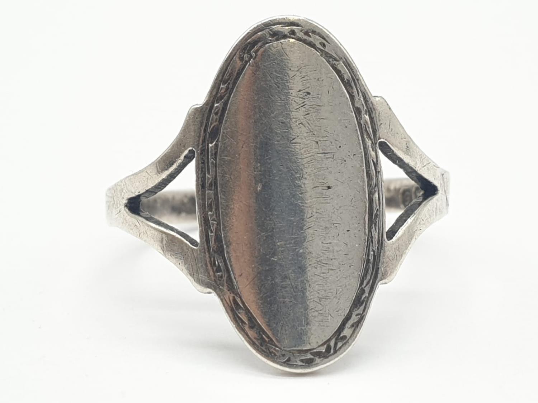 L&W Silver Vintage RING. 2.2g Size M.