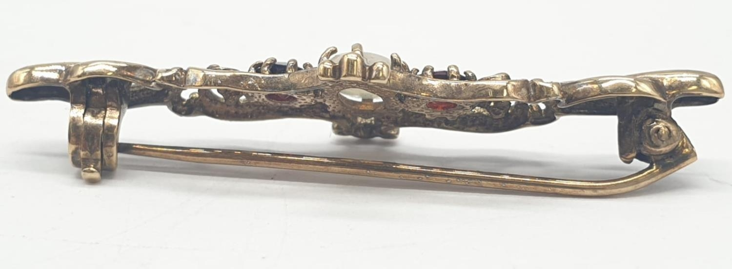 9ct gold opal and garnet bar brooch, weight 2.5g and 4cm long approx - Image 3 of 5
