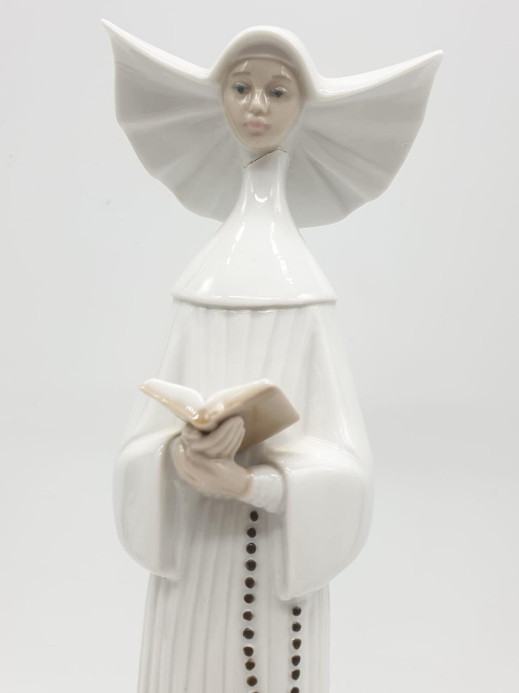 Set of 3 Lladro nuns. 26cm tall. - Image 9 of 20