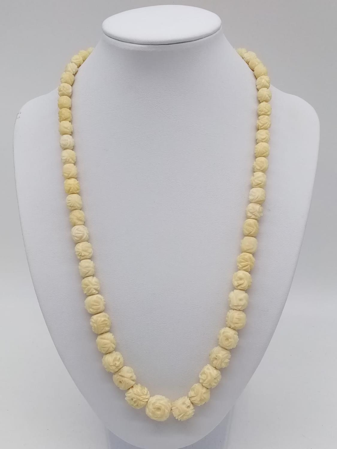 Late 19th Century hand crafted graduated ivory necklace 40.5g, 50cm long. - Image 3 of 4