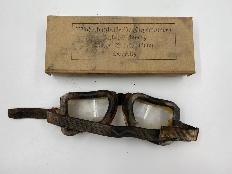 WW1 German Aviator Goggles in original box. - Image 3 of 3