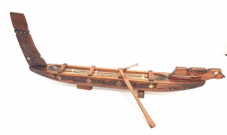 Hawaiian hand carved wooden boat, 49x20cm