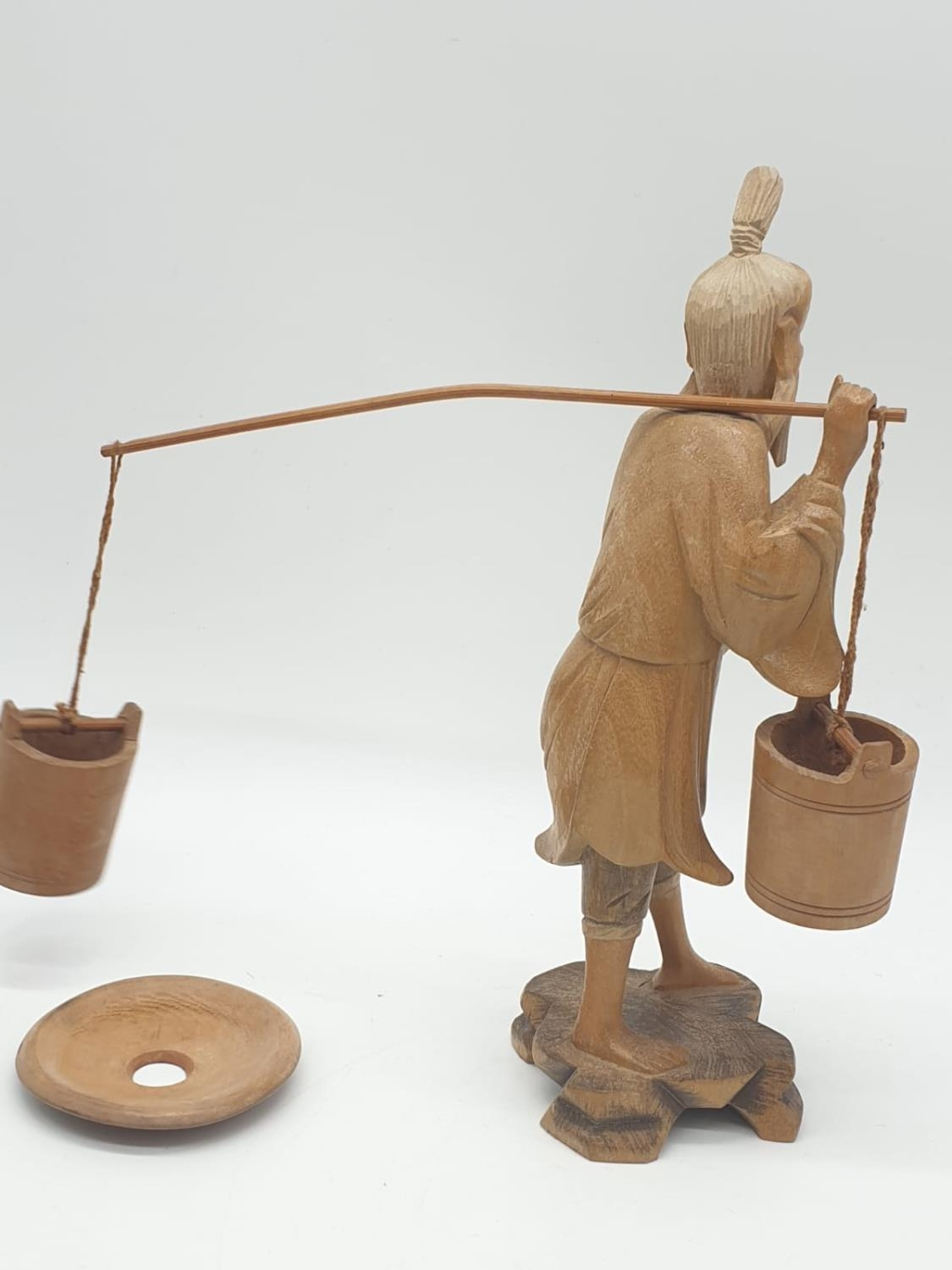 Hand carved wooden figure a Chinese pedlar. 20cm tall. - Image 5 of 7