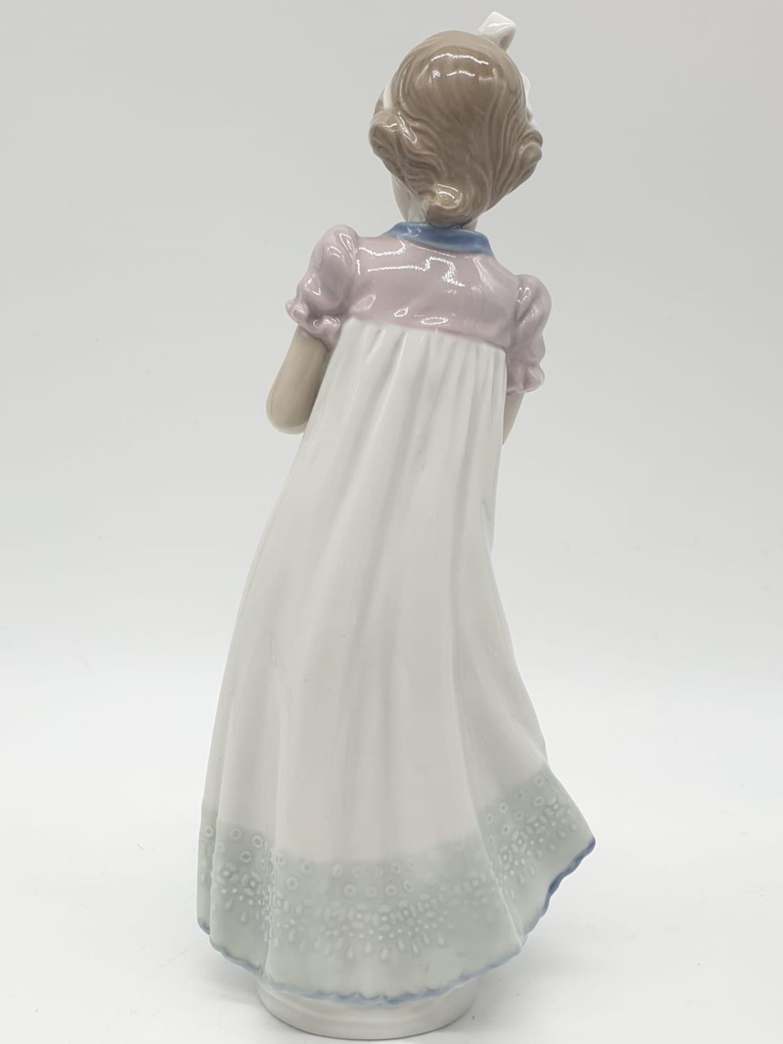 Lladro girl holding a cake on a plate. 20cm tall. - Image 4 of 6