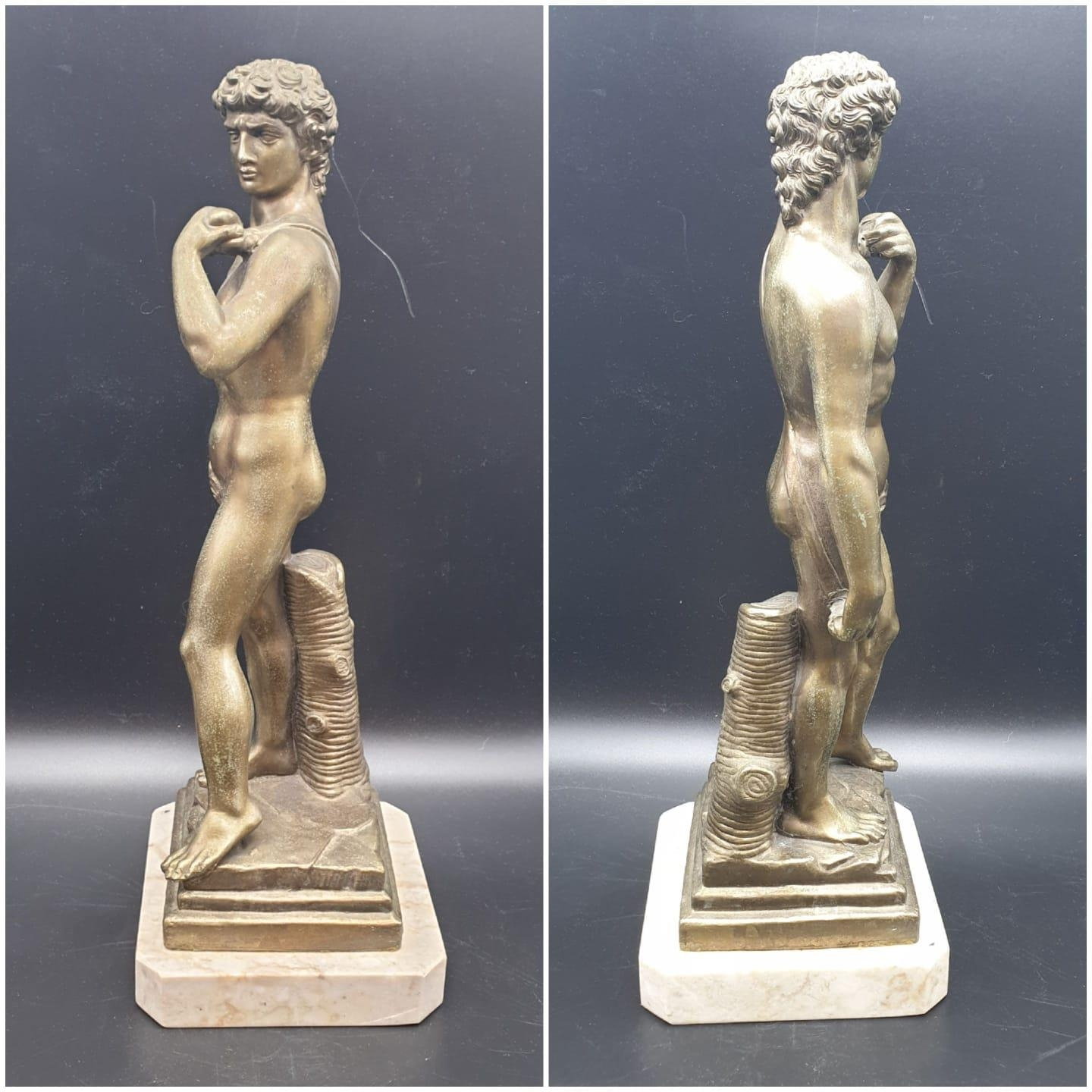 A Statue of Michelangelo's David in Brass on a Marble Base 40cms Tall 3.6kg - Image 2 of 9