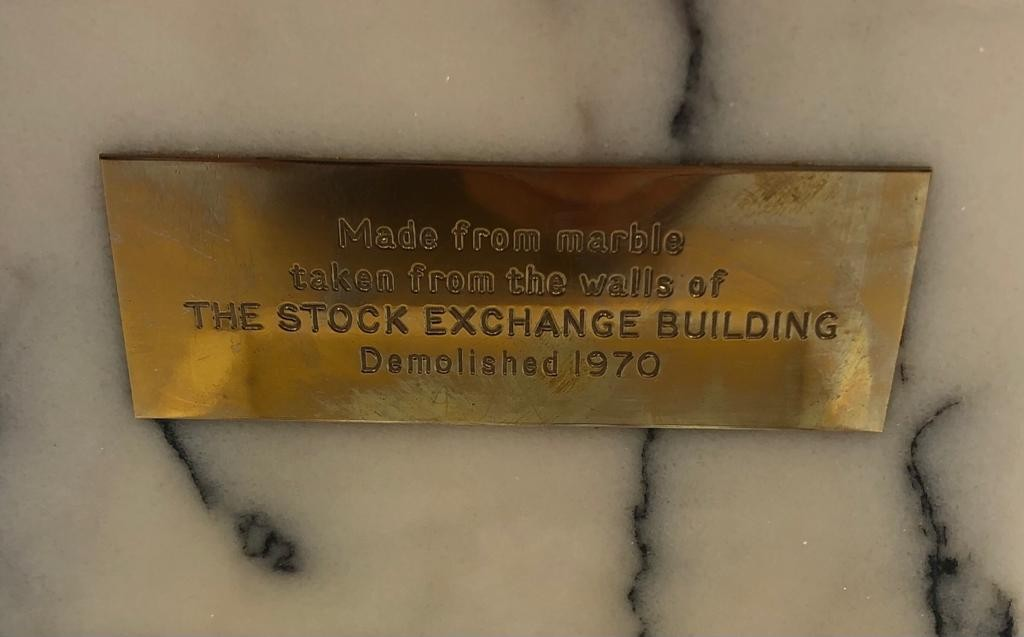 Mable cigarette box made from the marble taken from the demolished London stock exchange in 1970 - Image 3 of 3