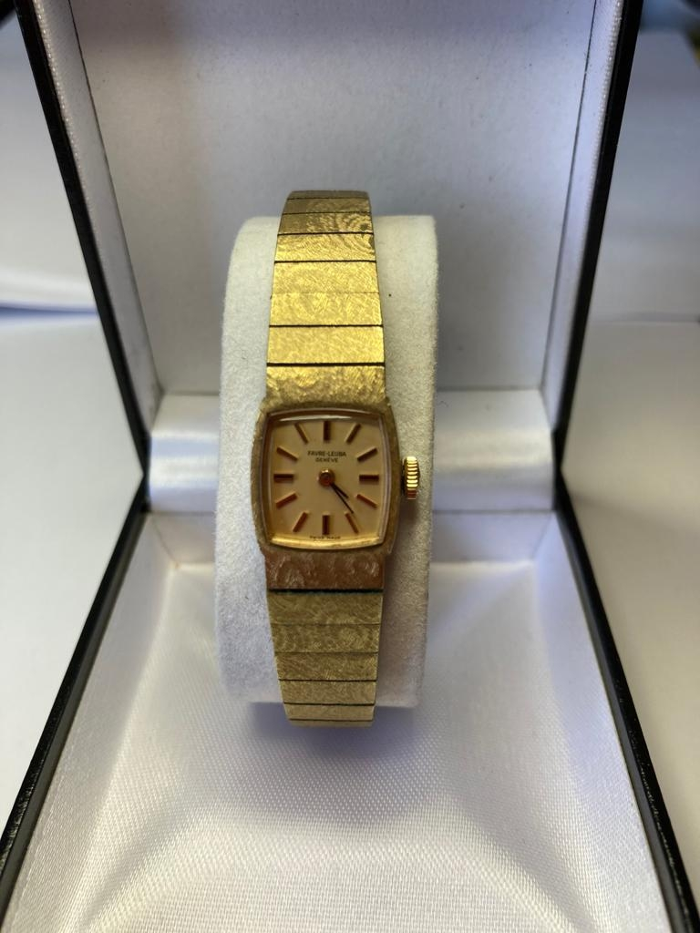 Vintage ladies Favre Leuba watch with gold tone strap. Excellent condition, perfect working order.