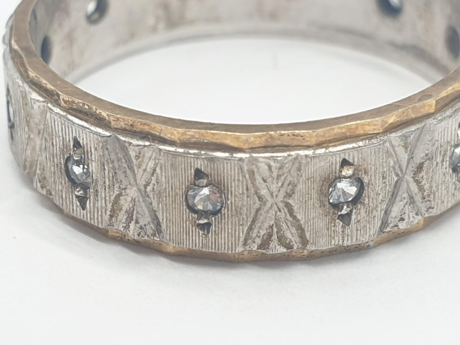 Gold and silver eternity ring, 3.2g weight and size O - Image 2 of 4