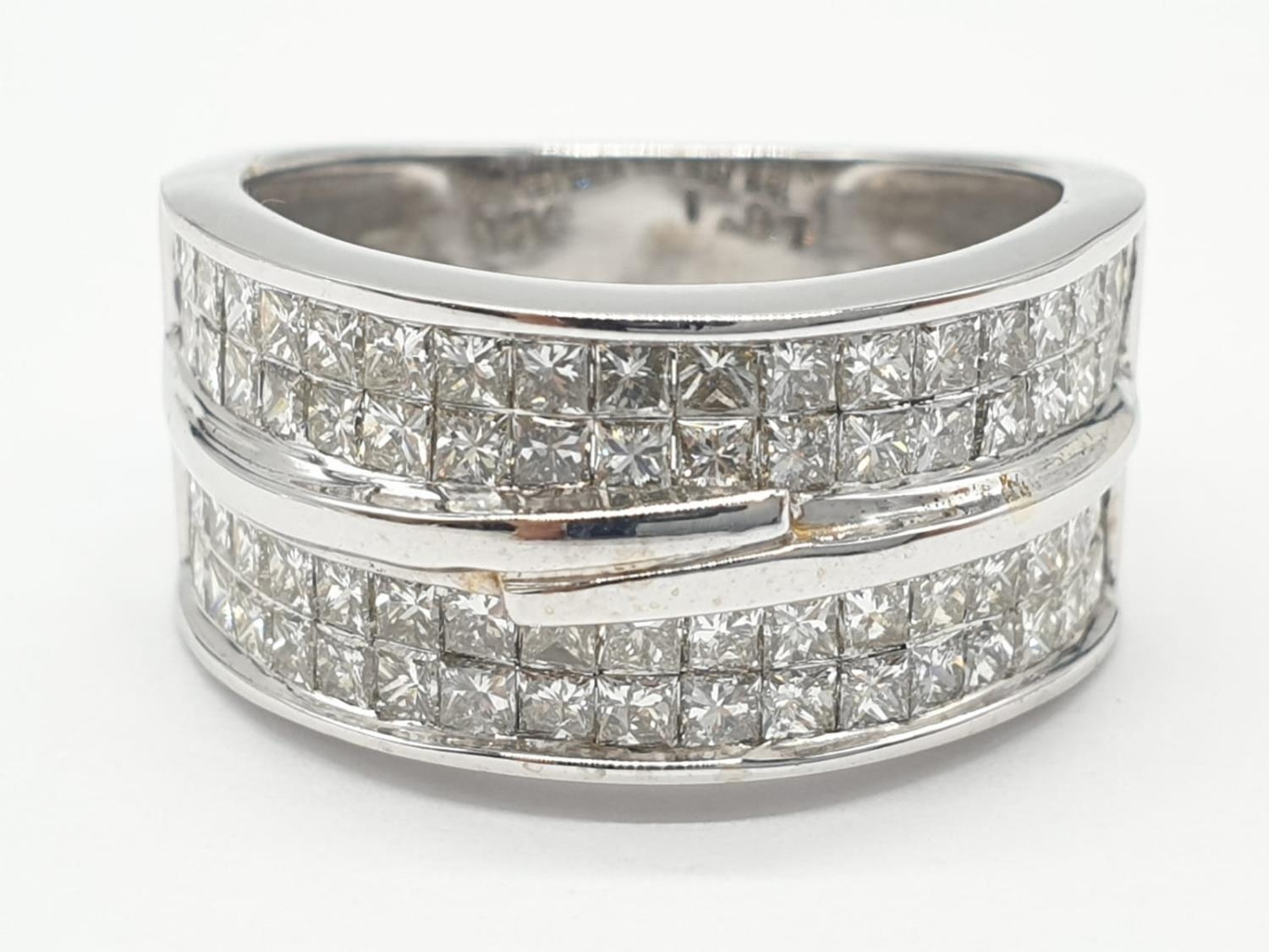 14ct white gold ring with 1.87ct diamonds. Size M and weighs 6.8g.