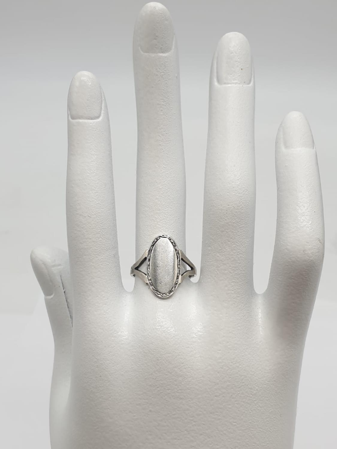 L&W Silver Vintage RING. 2.2g Size M. - Image 5 of 5