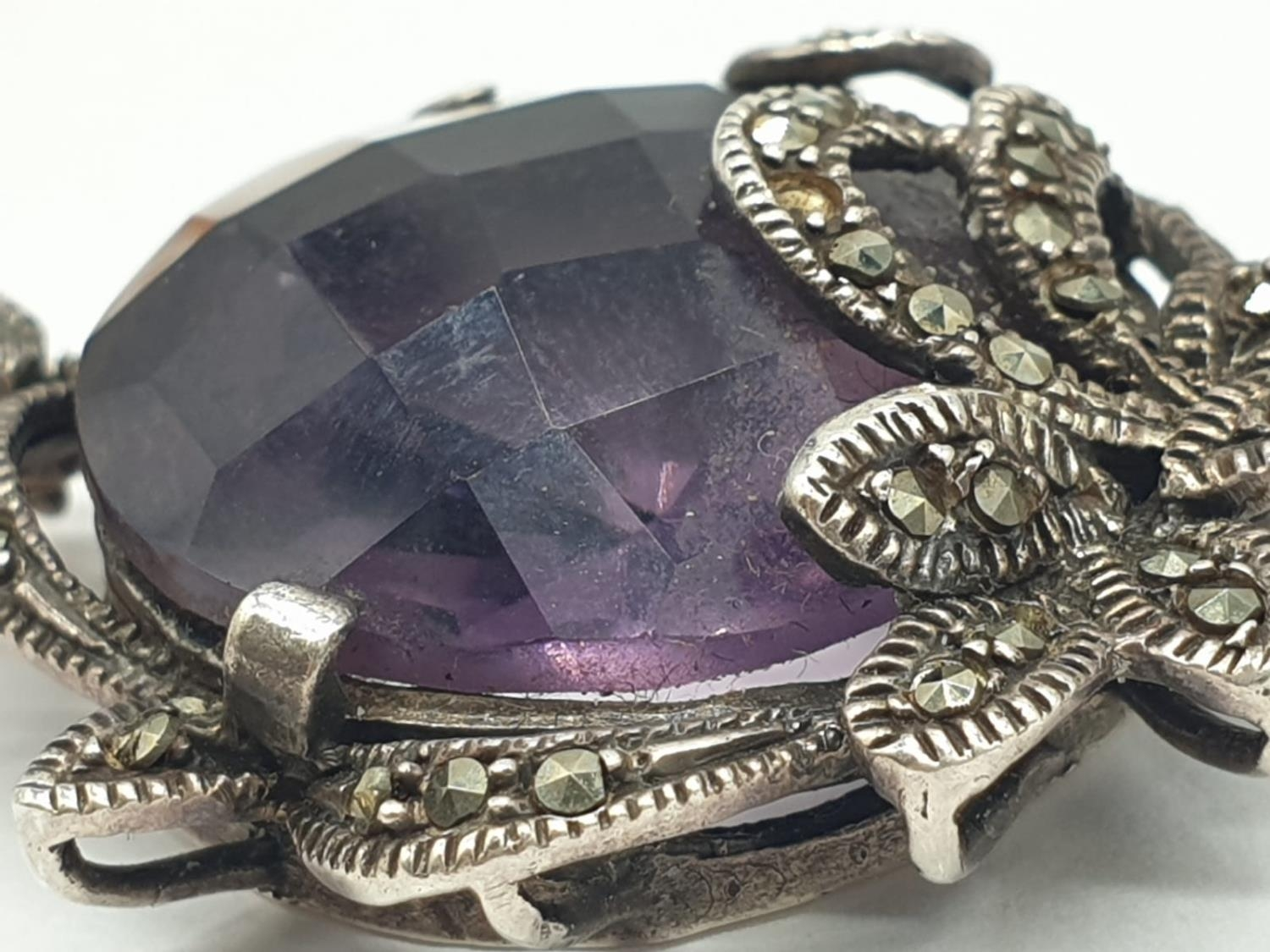 Amethyst and Marcasite NECKLACE with Freshwater Pearl and Silver setting. 40g 44cm - Image 4 of 8