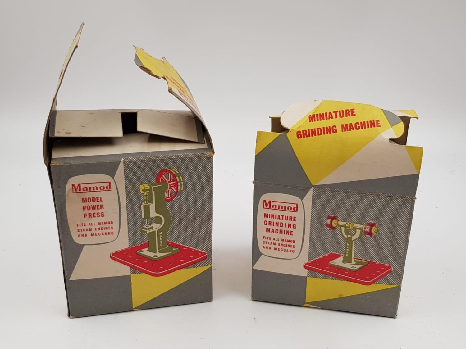 A pair of Momod accessories for their steam engines and Meccano sets. The model power press and - Image 3 of 3