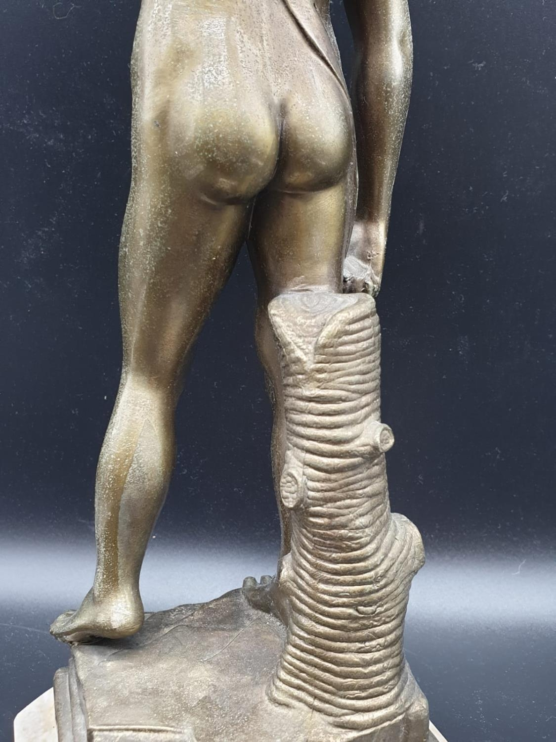 A Statue of Michelangelo's David in Brass on a Marble Base 40cms Tall 3.6kg - Image 6 of 9