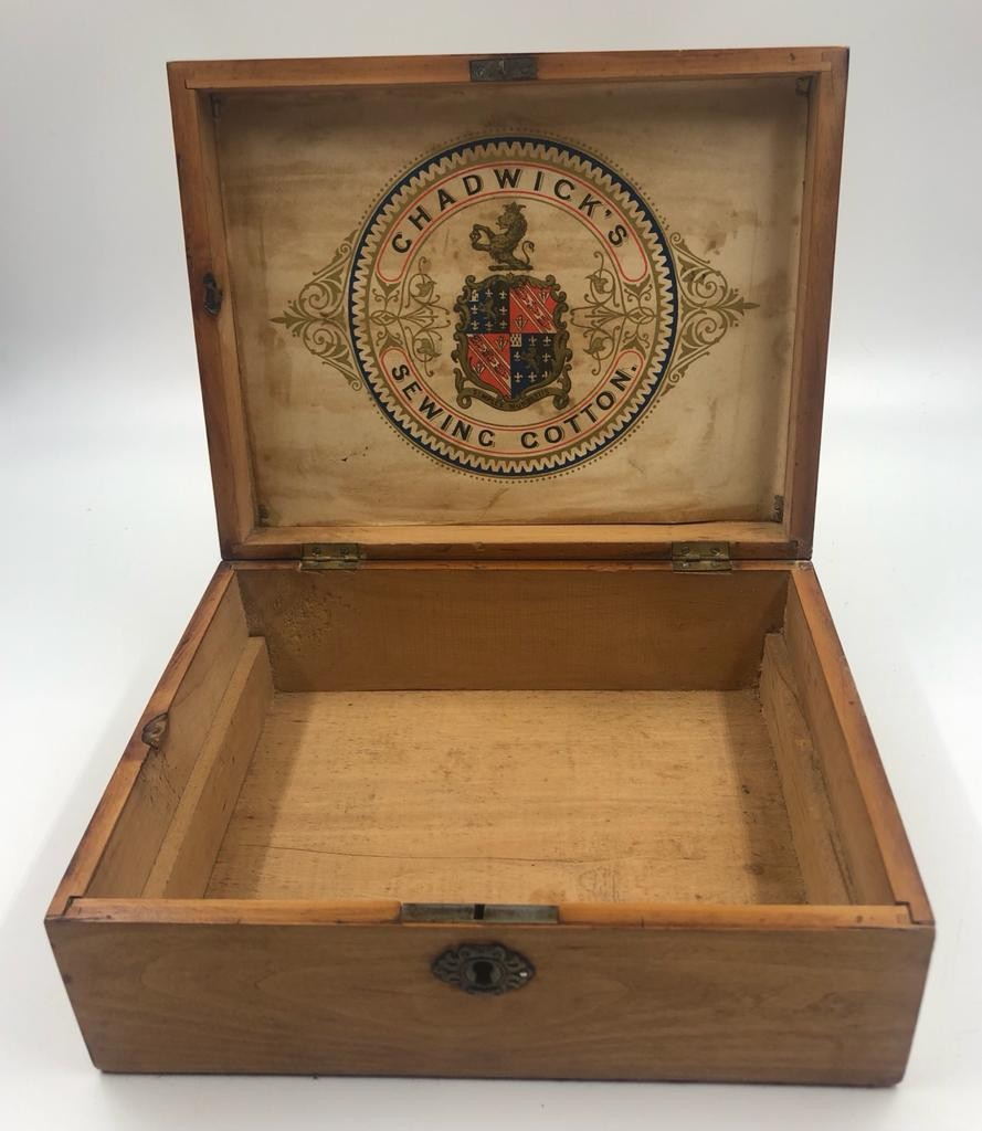 3 x small STORAGE OAK BOXES, different sizes.. 19, 21 and 23 cm lengths. - Image 4 of 4