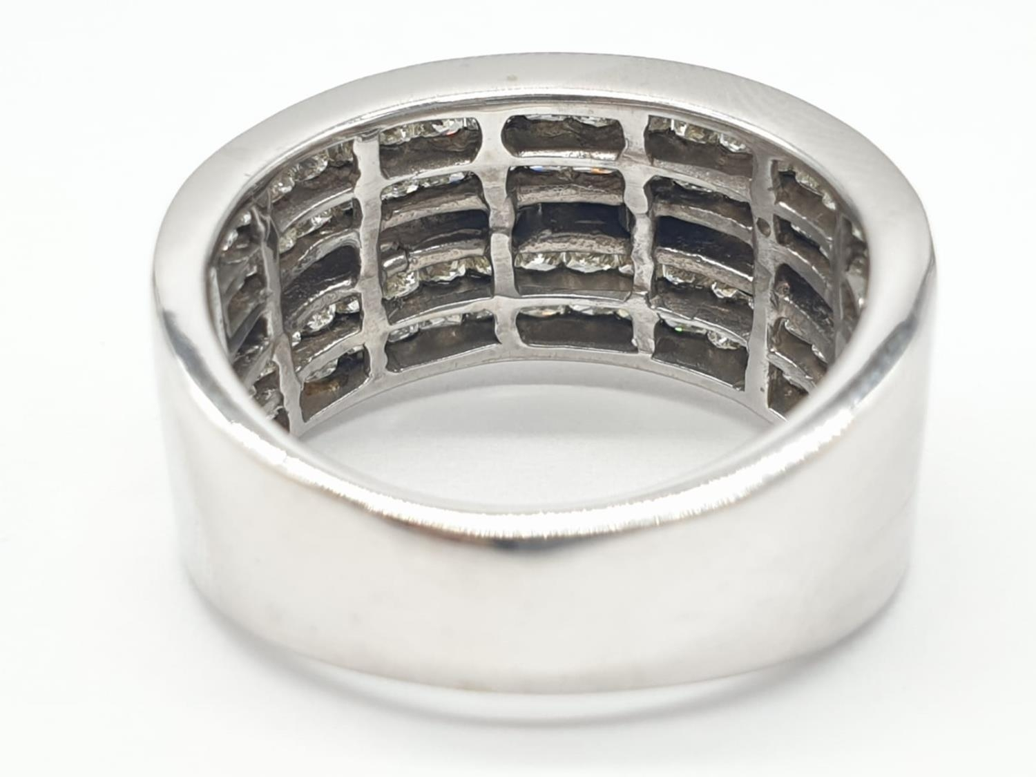 14ct white gold ring with 1.87ct diamonds. Size M and weighs 6.8g. - Image 4 of 6