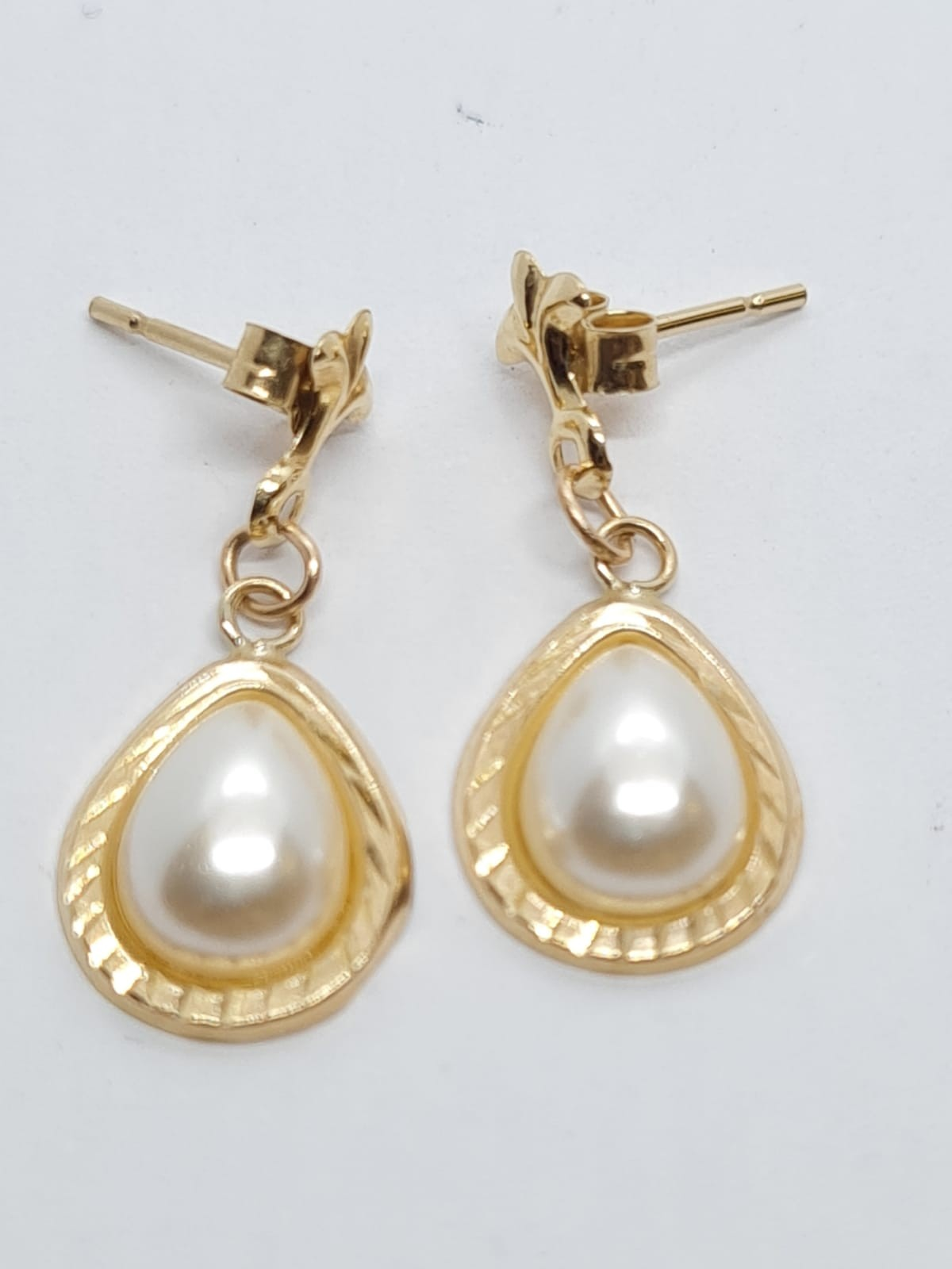 9ct Gold and pearl EARRINGS. - Image 2 of 2