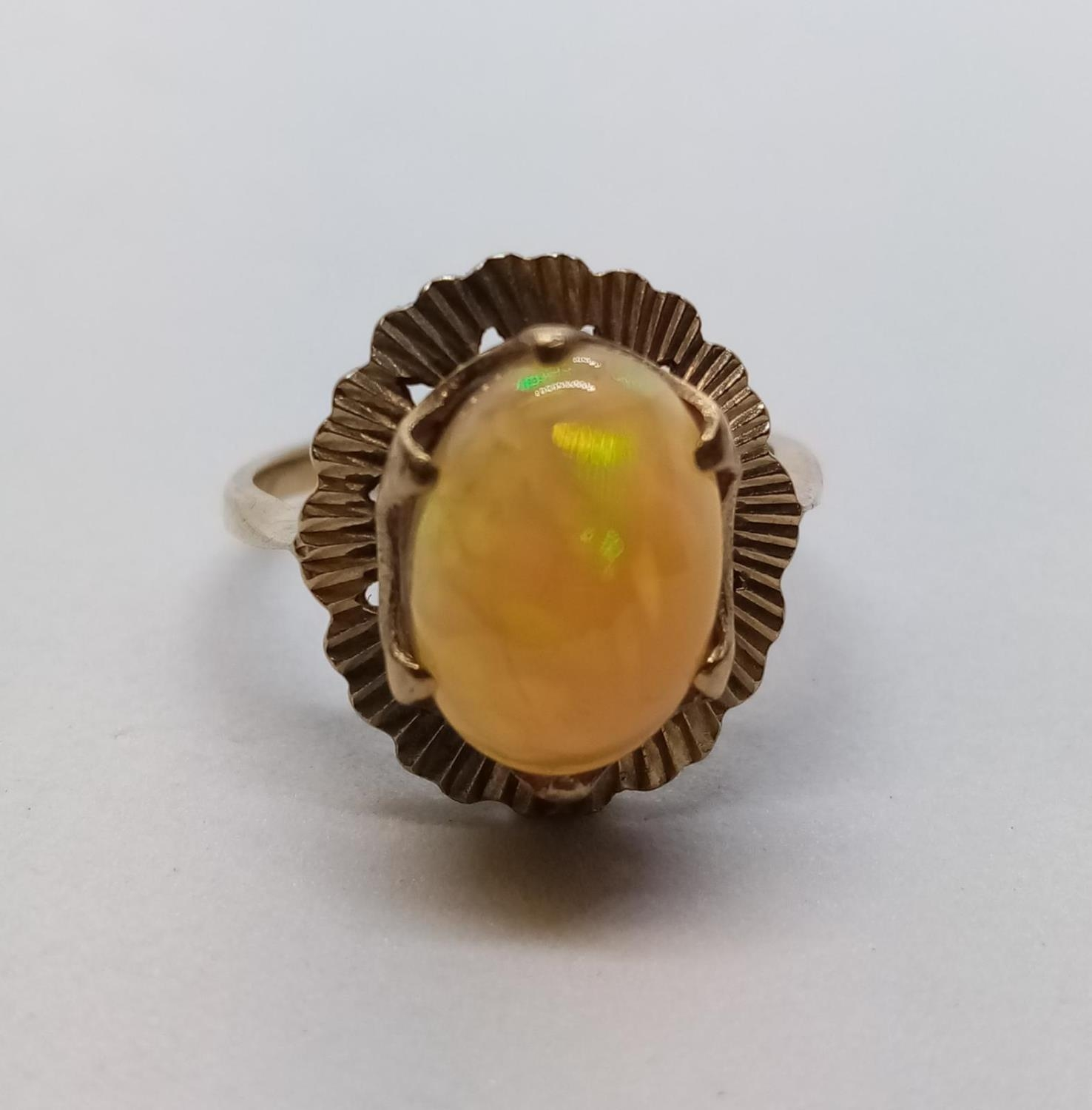 Fine Opal set in 9 cg Gold RING. 3.0g Size M. - Image 2 of 6
