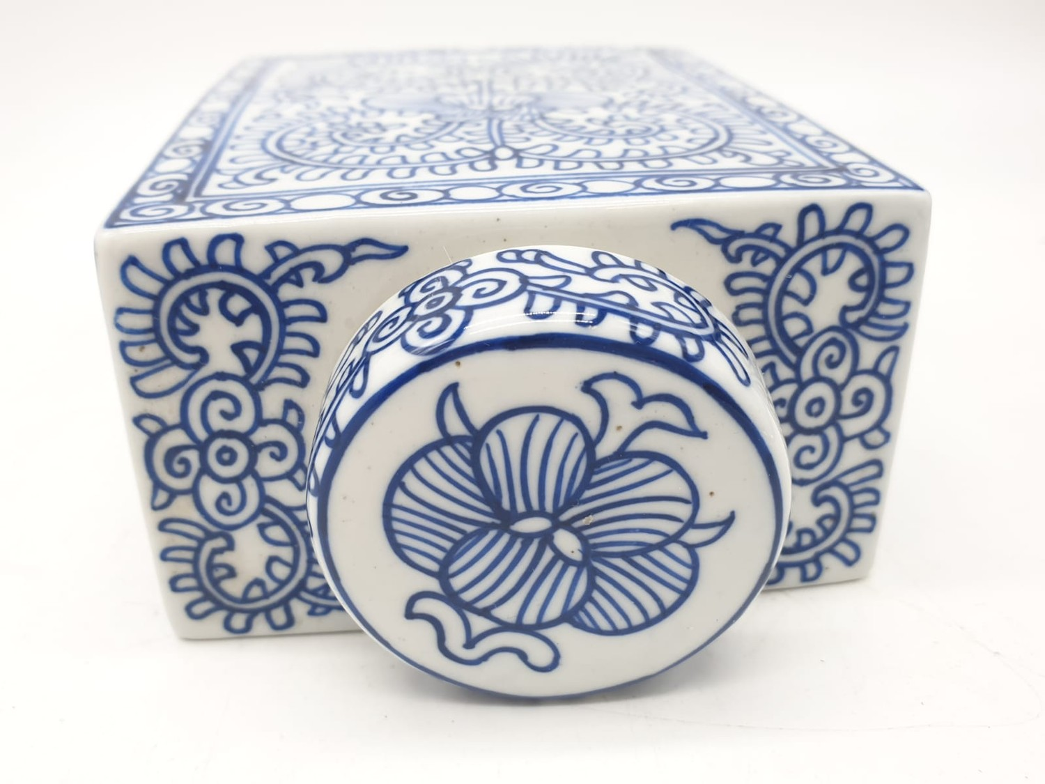 A Japanese, white and blue hand painted, rectangular, porcelain, storage jar, with lid. - Image 4 of 12