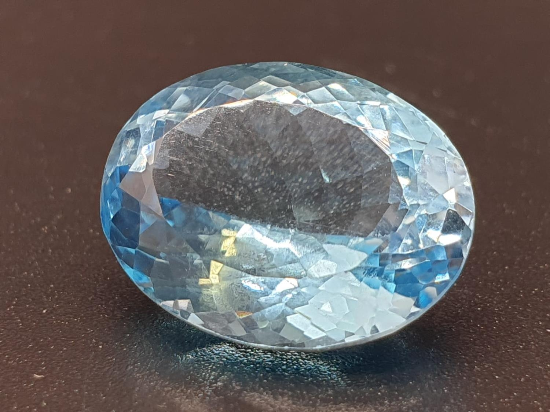 9.40 Ct Natural Blue Topaz. Oval shape. ITLGR certified