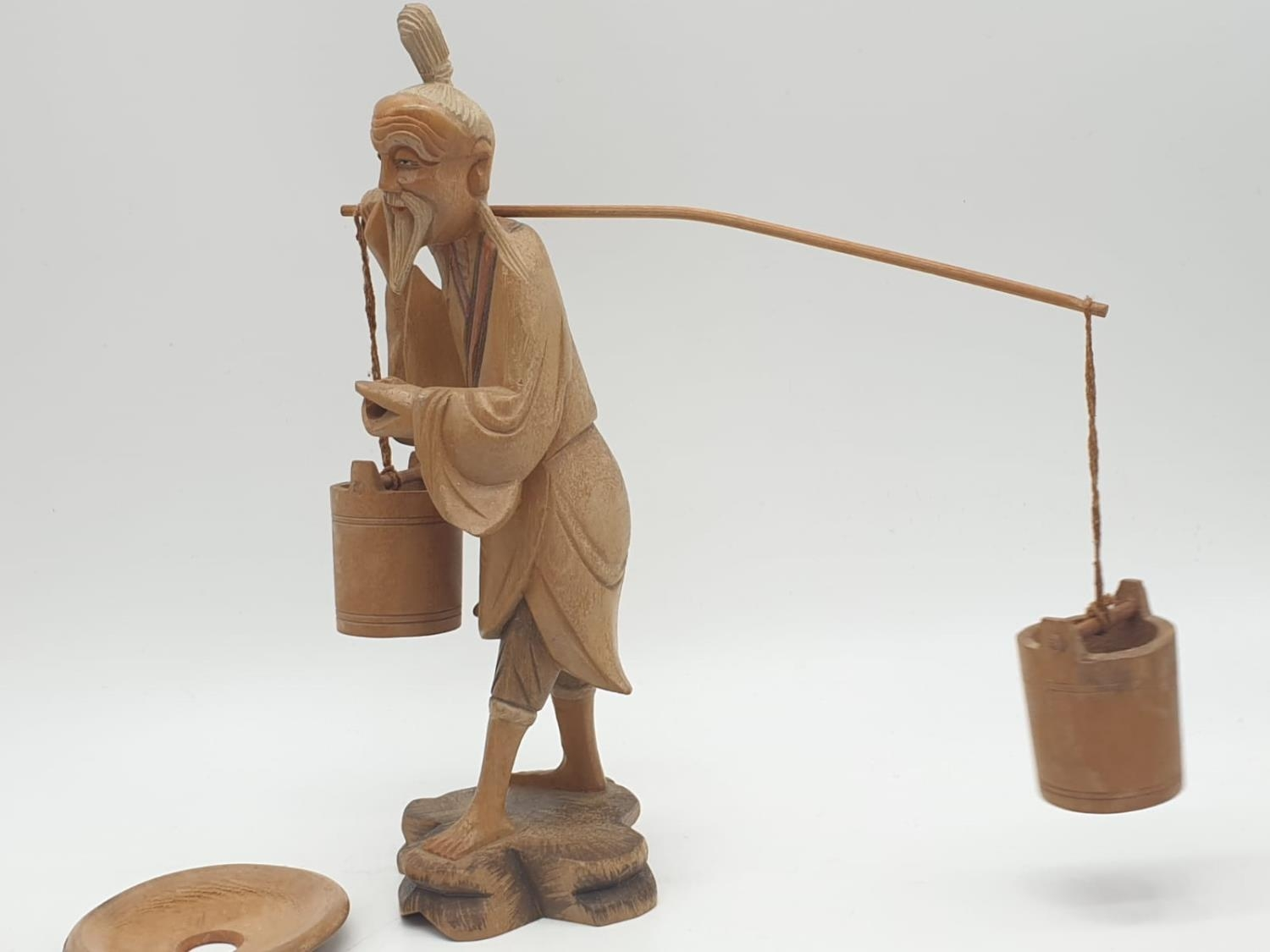 Hand carved wooden figure a Chinese pedlar. 20cm tall. - Image 3 of 7