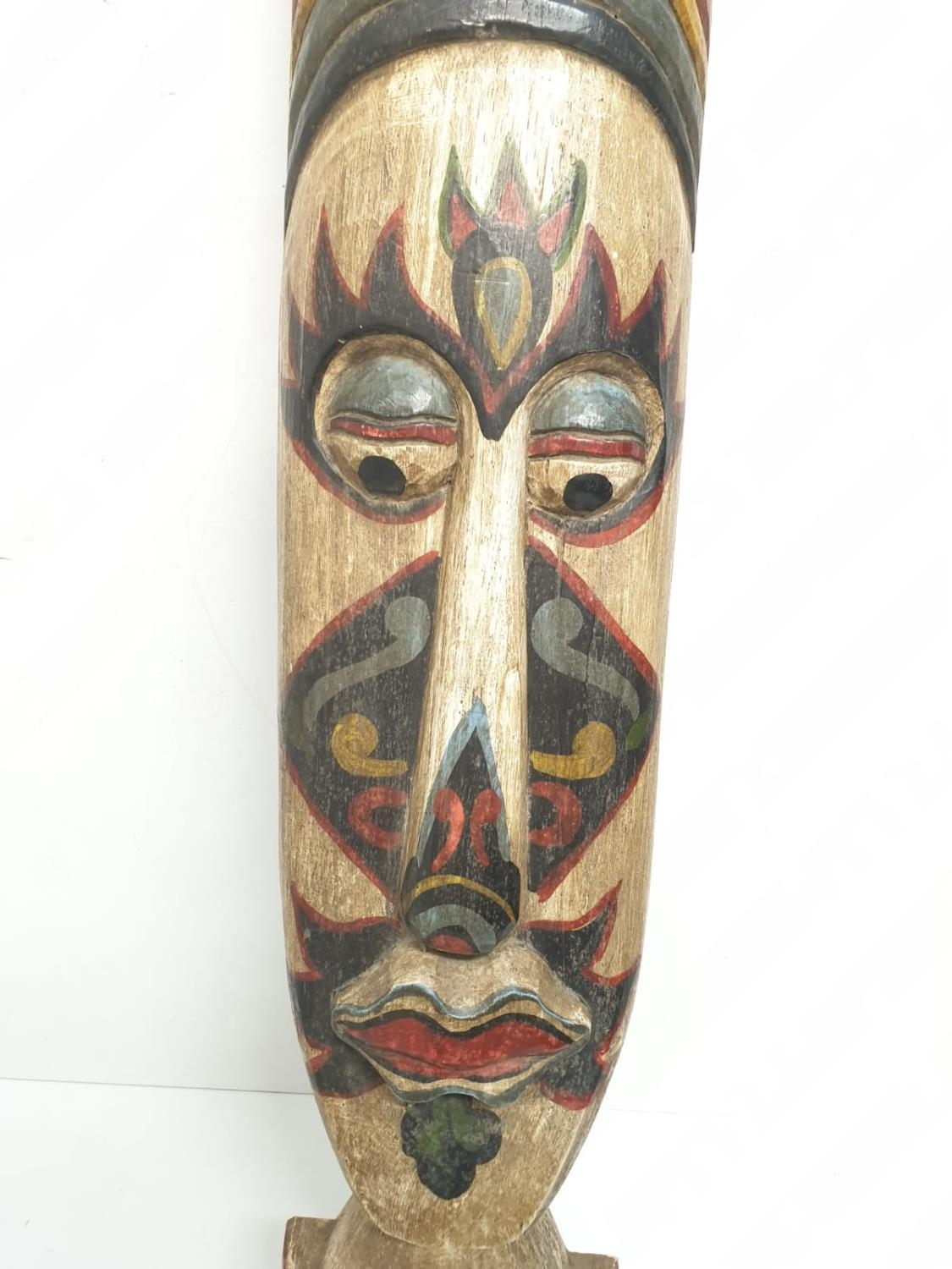 A large and free standing tribal mask from the Amazon Basin (probably Brazilian) made from Balsa - Image 4 of 8
