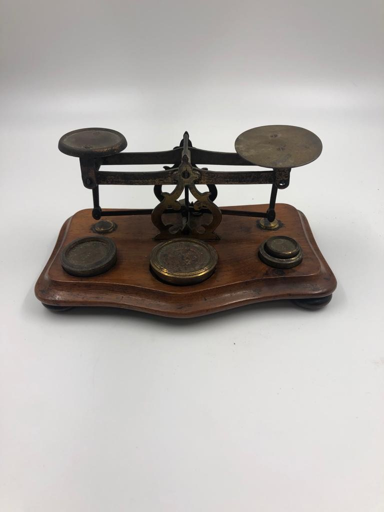 An antique set of postal sealers with original weights, 20x11cm - Image 2 of 4