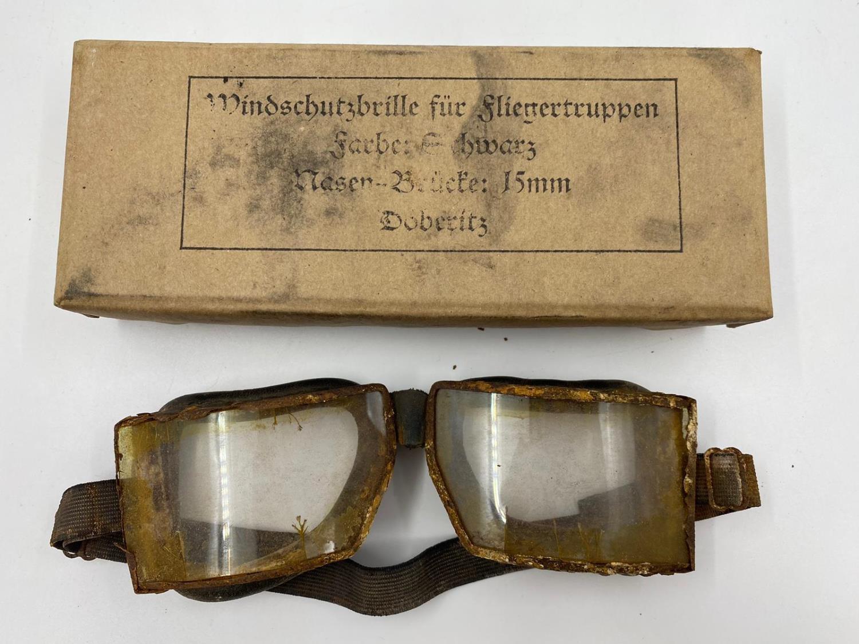 WW1 German Aviator Goggles in original box. - Image 2 of 3