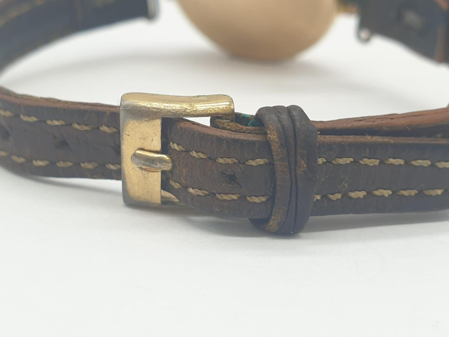 Vintage 9ct gold ladies wrist watch with leather strap - Image 5 of 9