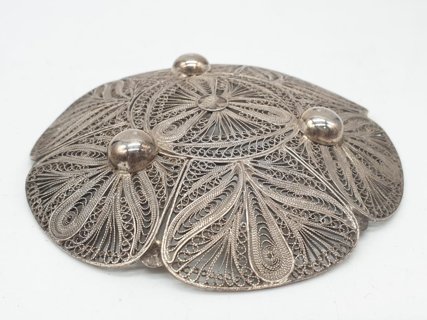 Silver filigree dish. 61.3g in weight. 10cm diameter. - Image 3 of 4