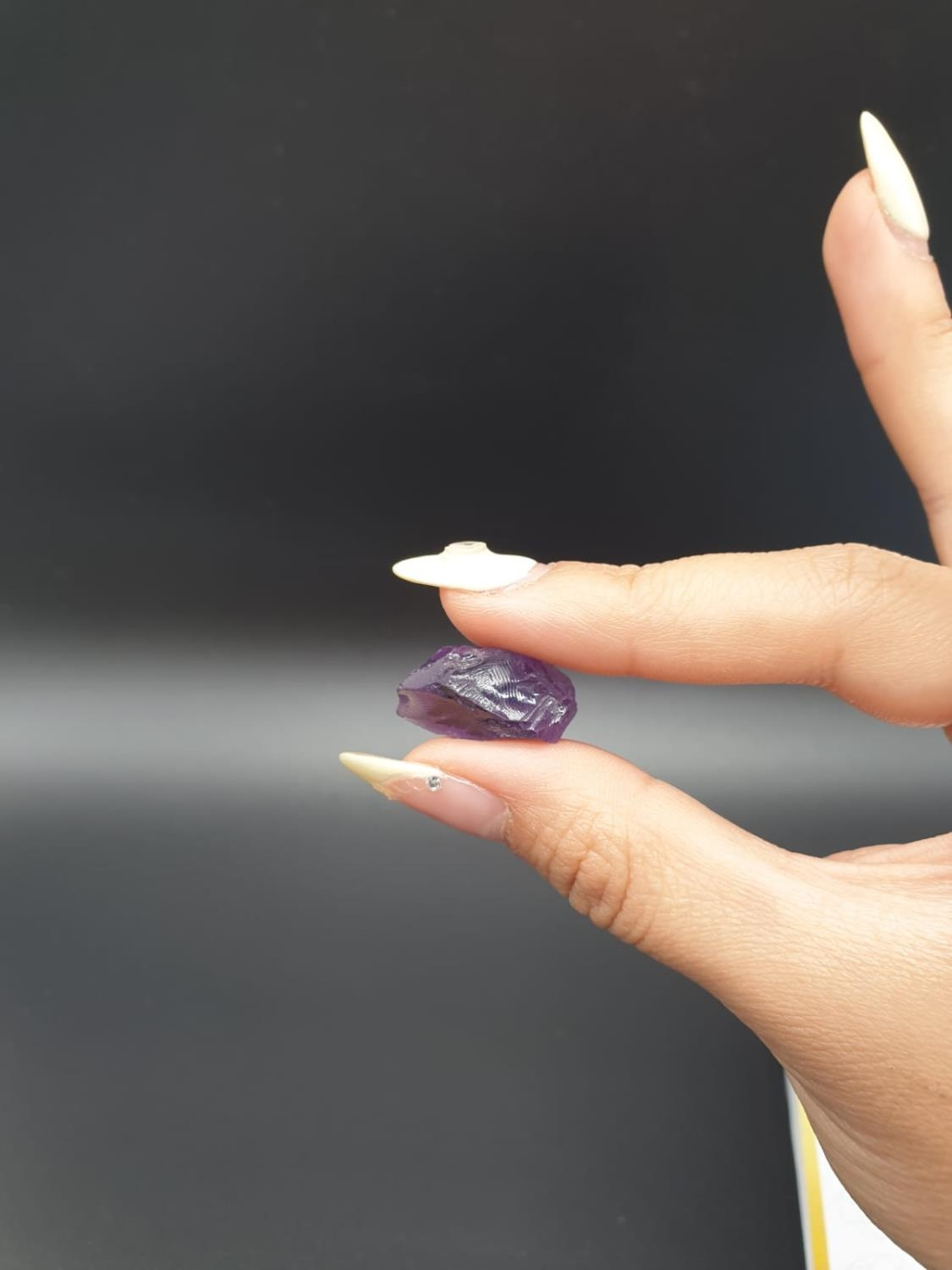 20.21 Ct Loose Natural Amethyst. Rough shape. IDT certified - Image 4 of 5