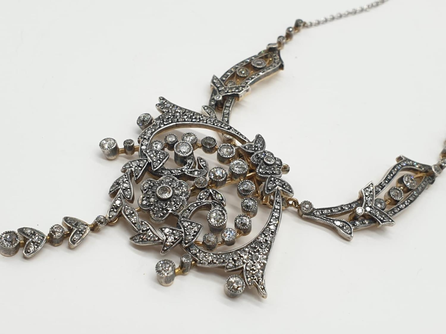 9ct Gold and Diamond Vintage PENDANT with over 3 ct of Diamonds. 42.4g 40cm length. - Image 3 of 6