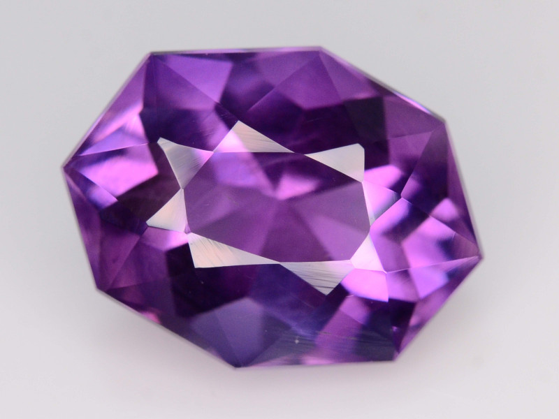 NATURAL AMETHYST - BRAZIL - 9.69 Cts - Certificate GFCO Swiss Laboratory - Image 4 of 5