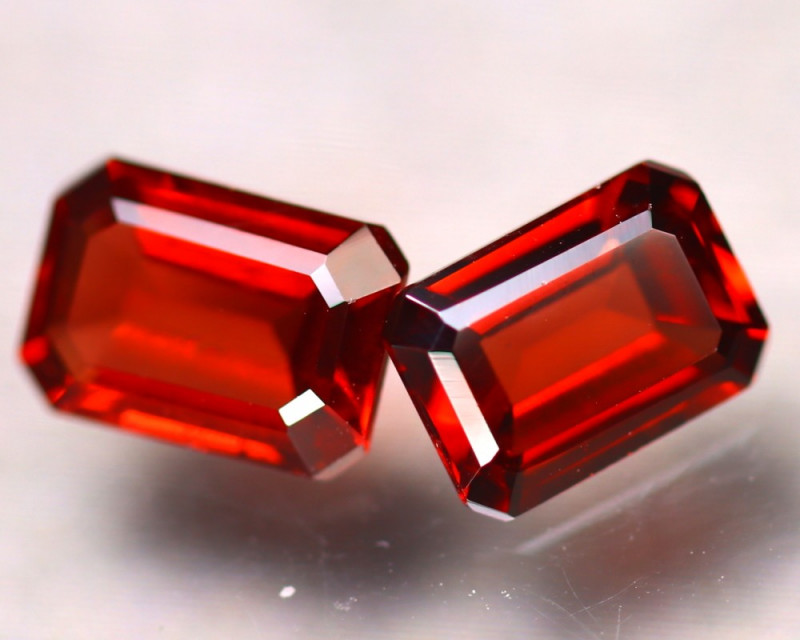 PAIR OF NATURAL SPESSARTITES - NAMIBIA - 2.06 Cts - Certificate GFCO Swiss Laboratory