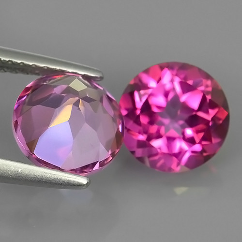 PAIR OF NATURAL PINK TOPAZES - BRAZIL - 4.62 Cts - Certificate GFCO Swiss Laboratory - Image 2 of 4