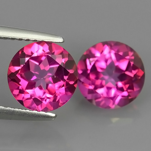 PAIR OF NATURAL PINK TOPAZES - BRAZIL - 4.62 Cts - Certificate GFCO Swiss Laboratory