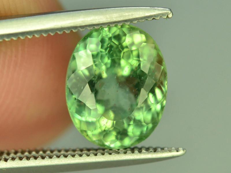 NATURAL GREEN APATITE - CEYLAN SRI LANKA - 2.60 Cts - Certificate GFCO Swiss Laboratory - Image 3 of 5