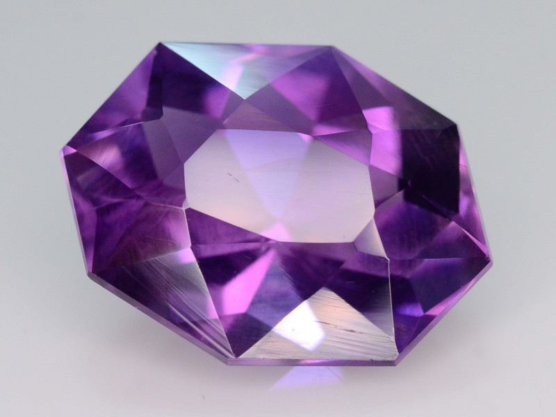 NATURAL AMETHYST - BRAZIL - 9.69 Cts - Certificate GFCO Swiss Laboratory - Image 3 of 5